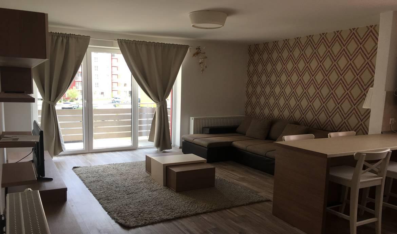 Inchiriez apartament 3 camere Avantgarden Brasov