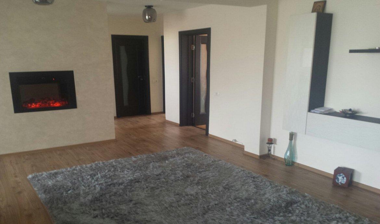 Inchiriere Apartament 4 Camere Centrul Civic Brasov