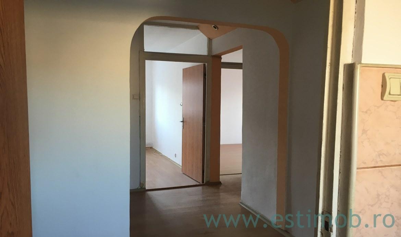 Apartament 3 camere de vanzare Brasov cartierul Scriitori