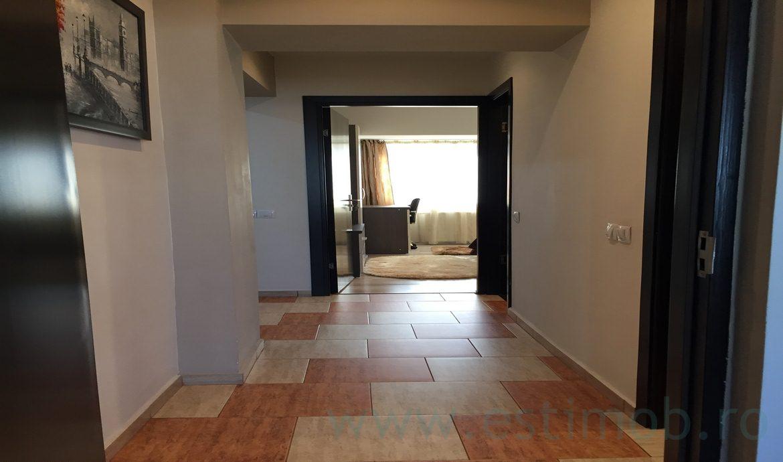 Inchiriere Apartament 3 Camere decomandat Centrul Civic modern