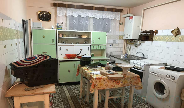 Apartament de vanzare 3 camere Vlahuta