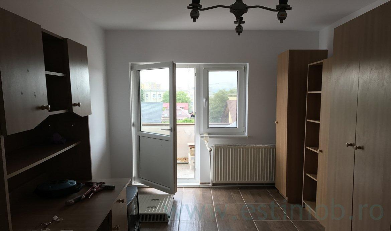 Apartament 2 camere decomandat de vanzare Grivitei