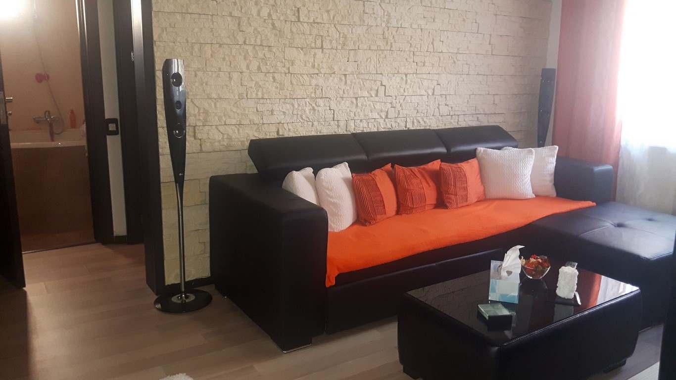 Vanzare Apartament 2 Camere semidecomandat Florilor