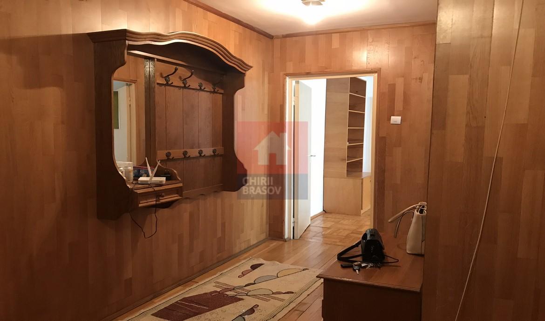 Vanzare apartament 4 camere zona Gemenii Brasov