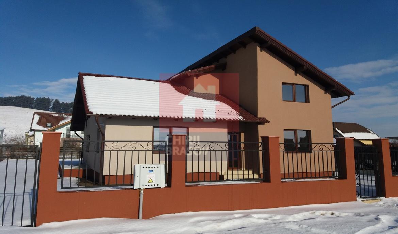 Casa singur in curte de vanzare Sanpetru Brasov