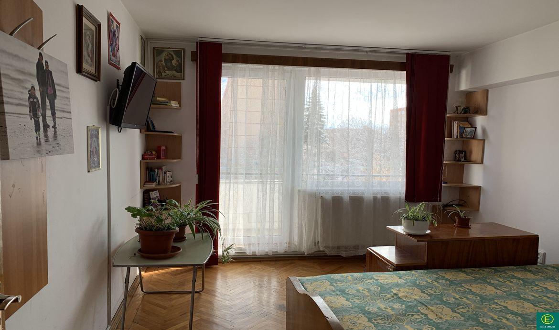 Apartament 3 camere de vanzare zona Centrul Civic Victoriei