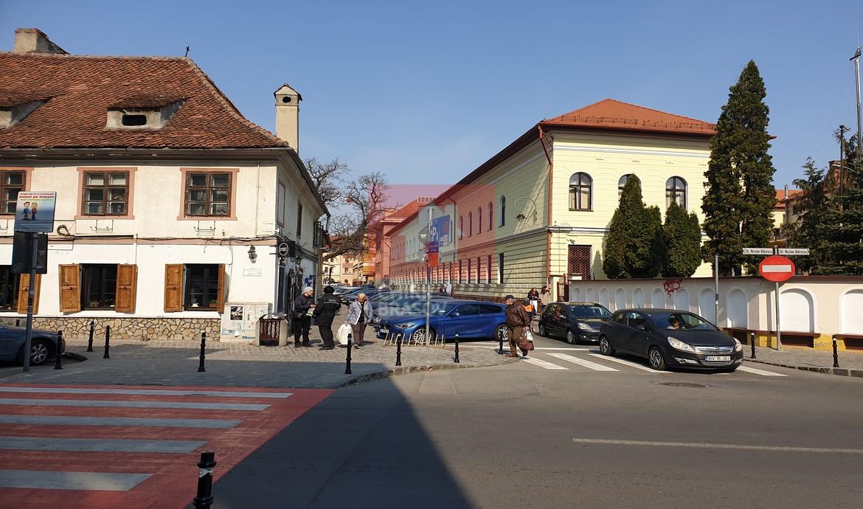 Chirie 2 camere str.Nicolae Balcescu Centrul Istoric Brasov