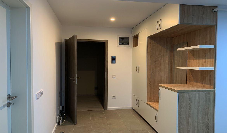 Inchirieri apartamente 3 camere bloc nou Tractorul