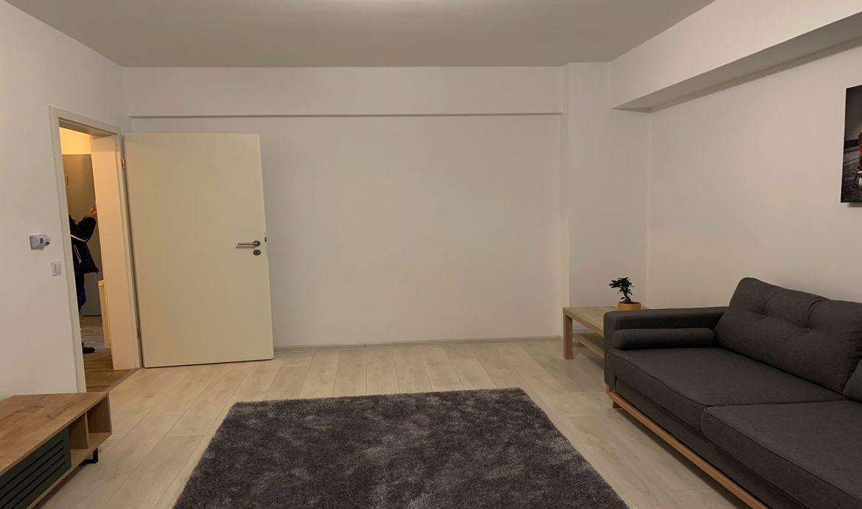 Inchiriere Apartament 2 Camere decomandat Tractorul zona Coresi
