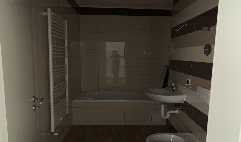 Vanzare Apartament 2 Camere decomandat Tractorul complex Maurer