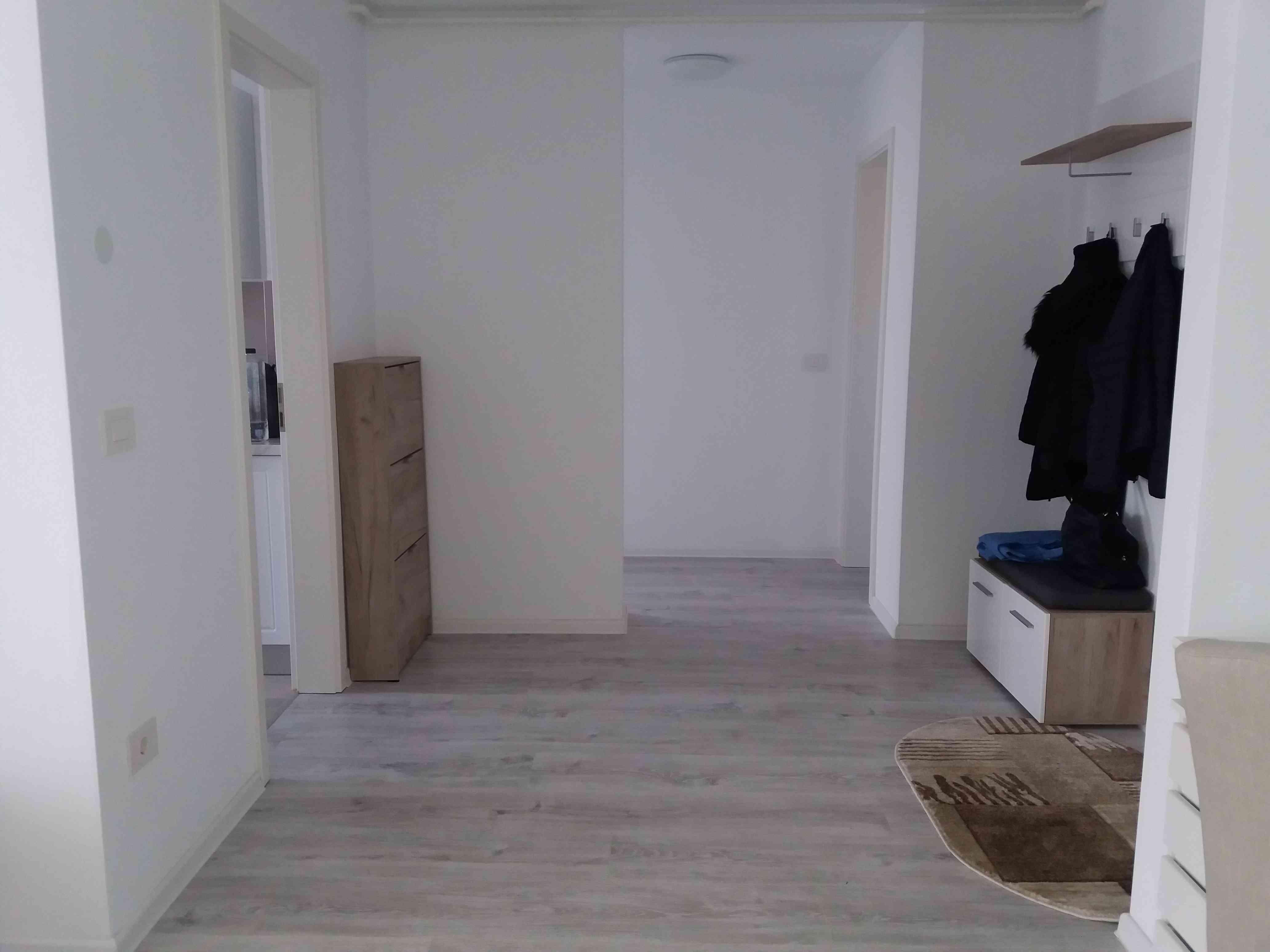 Inchiriere Apartament 2 Camere decomandat  Coresi Tractorul