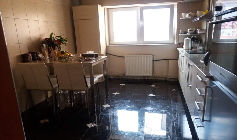 Vanzare Apartament 3 Camere decomandat Racadau