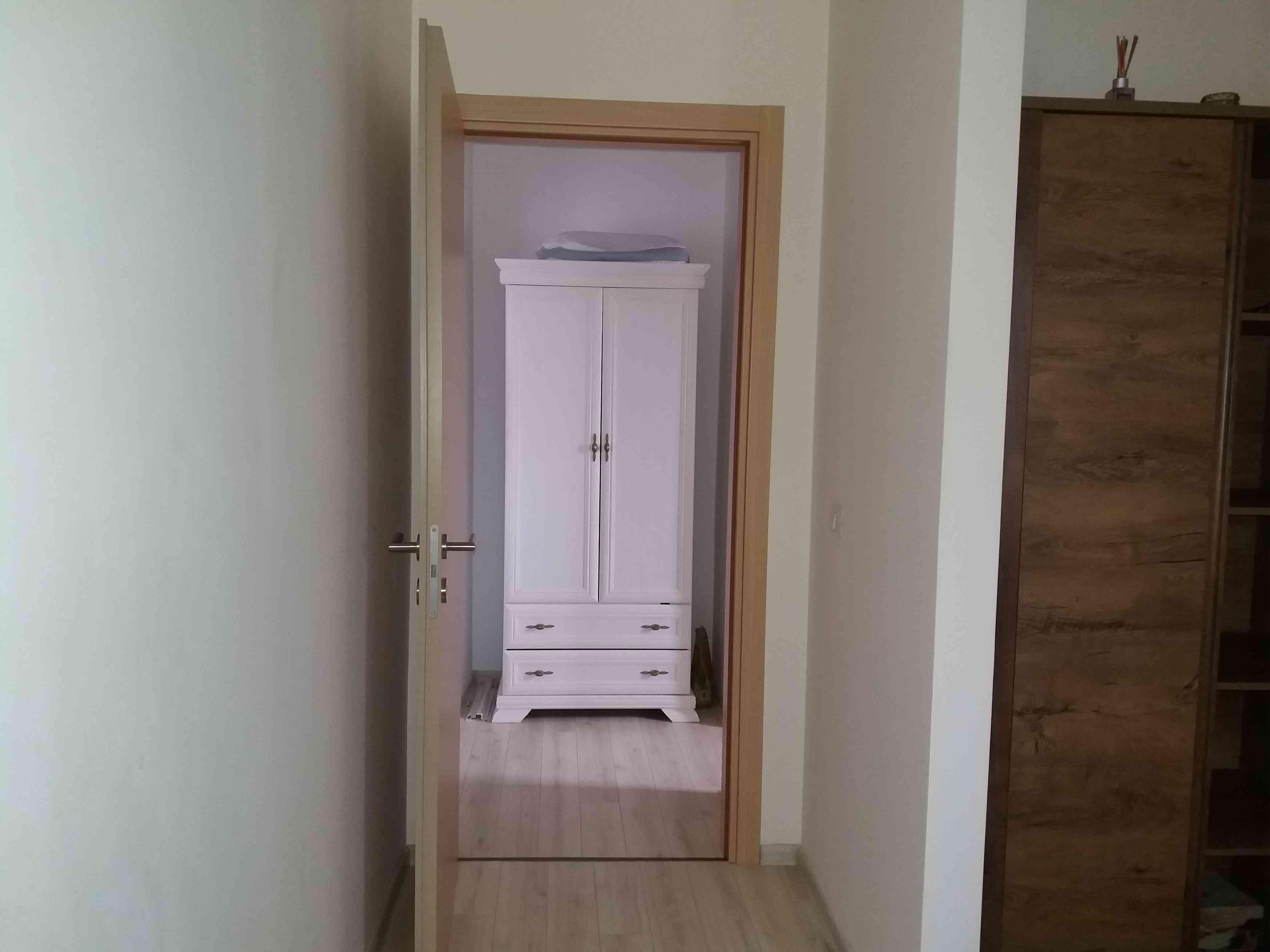 Vanzare Apartament 2 Camere zona Coresi Tractorul