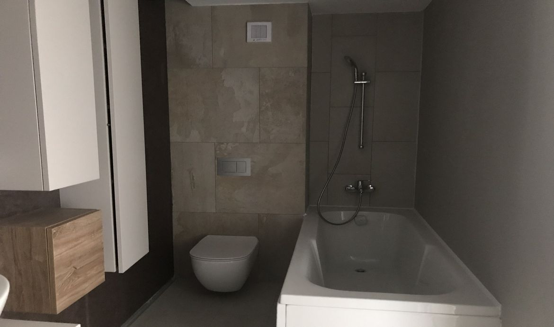 Apartament 3 camere finalizat zona Tractorul Coresi