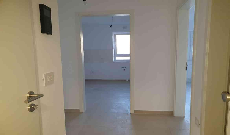 Vanzare Apartament 2 Camere decomandat Coresi Tractorul