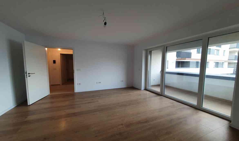 Vanzare Apartament 3 Camere decomandat zona Coresi