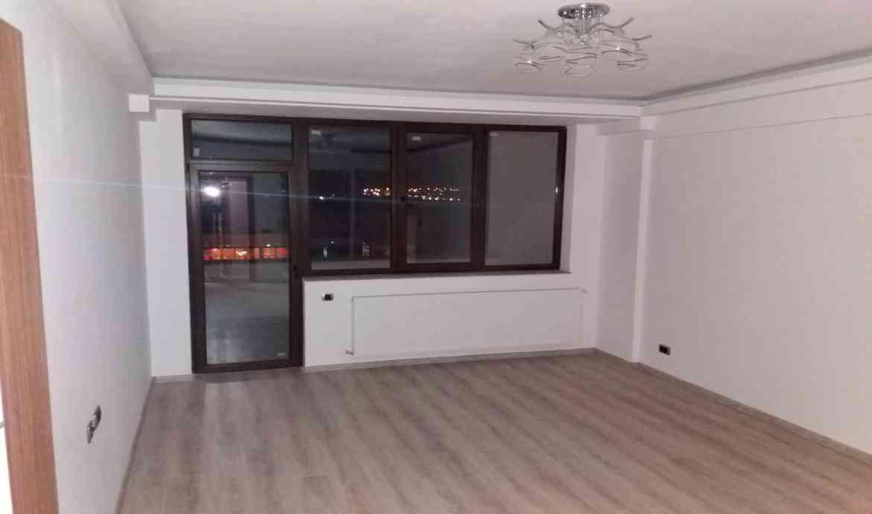 Vanzare Apartament 2 Camere decomandat  Isaran Zona Coresi