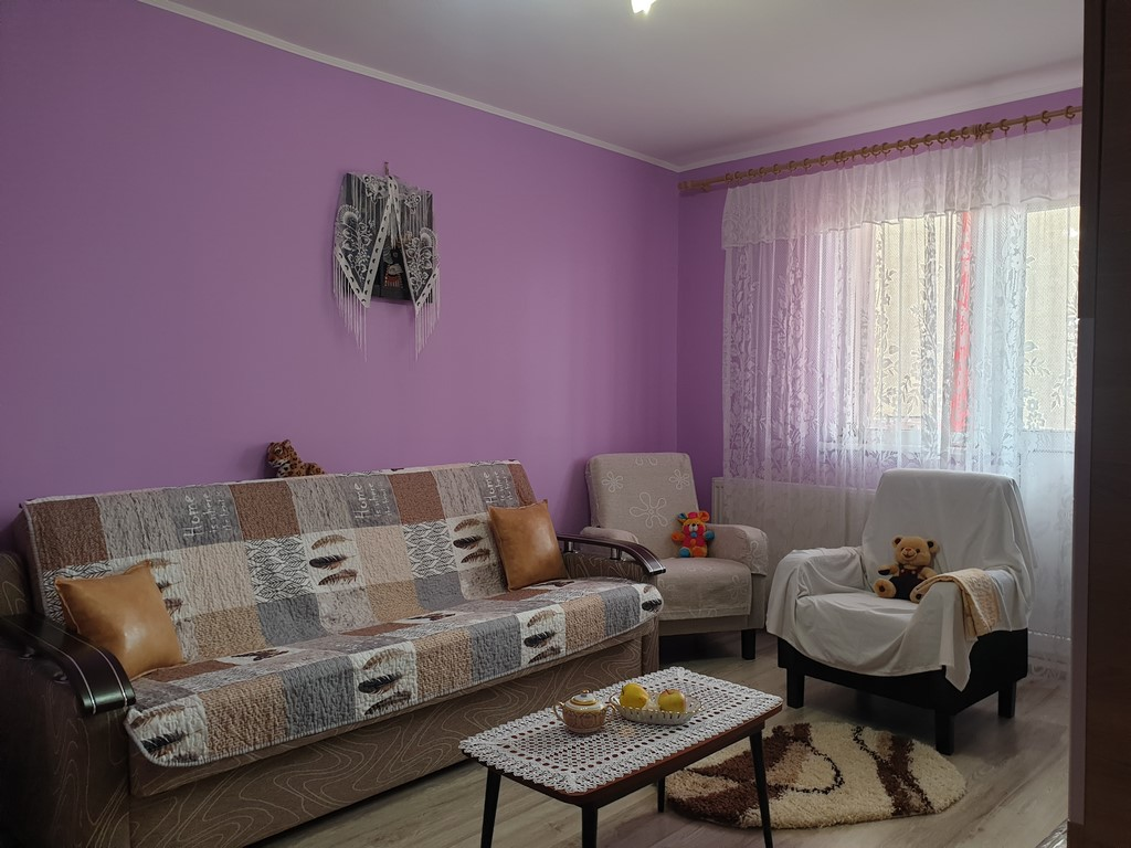Apartament 3 camere bld Grivitei
